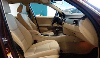 BMW 325 xi 4d A **Neliveto** full