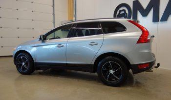 Volvo XC60 D5 AWD Summum A**Kaukosäätöinen webasto, navigaattori, vetokoukku jne.** full