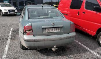Volkswagen Passat 1.8-20 4d full