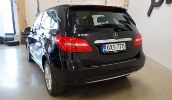 Mercedes-Benz B 200 NGD A full