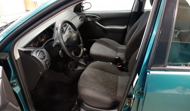 Ford Focus 1.6 Ambiente 4d full